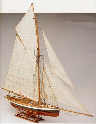 マモリ社(イタリア)ヨット『ピューリタン号』(MV43)