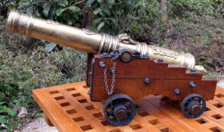 《大砲模型・完成品》(スペイン製)